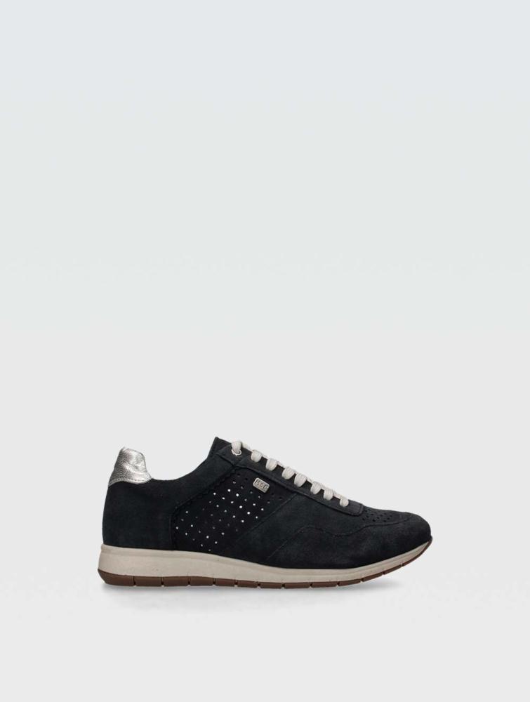 Roxy sneakers